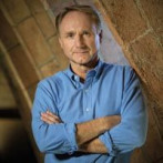 <div>Dan Brown</div><div>&copy; © Quim Vives</div>